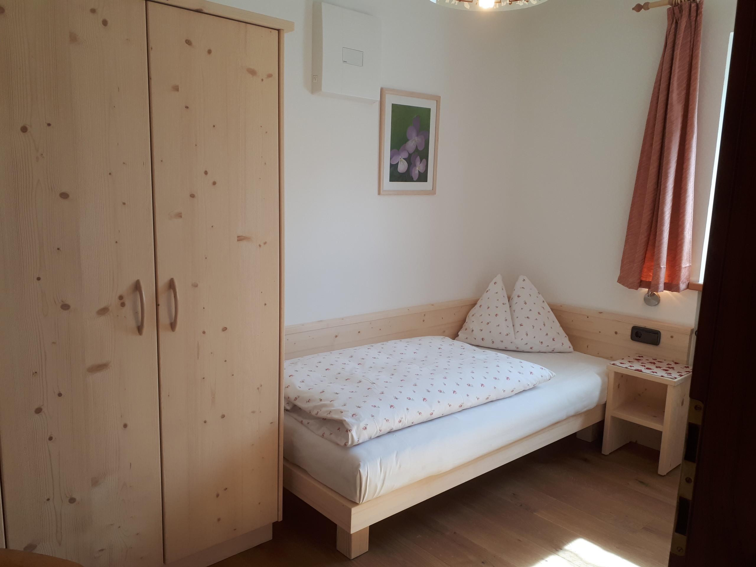 Schlafzimmer Wohnung Alpenrose